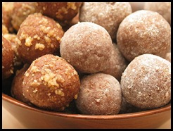 800px-Rum_ball_cookies